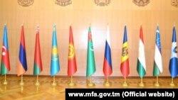 Флаги государств участников СНГ