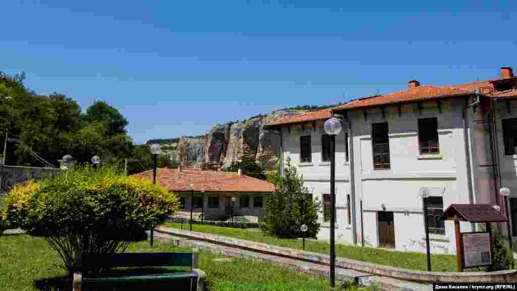 Во времена Советского союза медресе не функционировало. Здание пришло в упадок, и одно время на его территории даже располагался психоневрологический диспансер