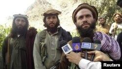 د پاکستانیو طالبانو یو کمندان ملا دادالله په کوچني اختر د دوی لخوا له باجوړه د تېښتول شویو ماشومانو په اړه له میډيا سره خبرې کوي.۶ سپټمبر ۲۰۱۱