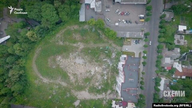 Перший будинок, який звели на місці знесеного недобудованого театру в Житомирі