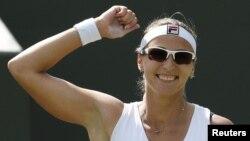 Теннисші Ярослава Шведова. Лондон, 30 маусым 2012 жыл.