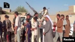 """""""Ислам дәүләте"""" сугышчылары Гыйрактан Езиди азчылыгы вәкилләрен куа."""
