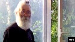 Фото Радована Караджича, опубликованное в белградском журнале Healthy Life 22 июля 2008