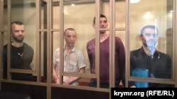Ферат Сайфуллаєв, Нурі Прімов, Рустем Ваїтов, Руслан Зейтуллаєв на суді в Росії, Ростов-на-Дону, 15 червня 2016 року