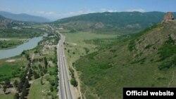 О том, что дорога принесет отсталому региону экономическую выгоду, эксперты не спорят