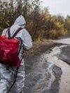 Специалисты Гринпис берут пробы на реке Налычева
