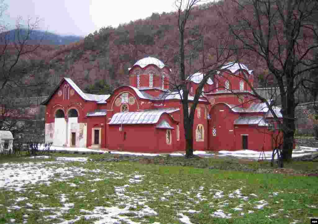 Православный монастырь в городе Печь.