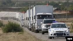 Ռուսաստան - Մարդասիրական օգնությունը Ուկրաինա տեղափոխող ավտոշարասյունը սահմանի վրա, 17-ը օգոստոսի, 2014թ․