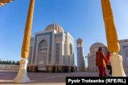 Мавзолей Ислама Каримова. Самарканд, Узбекистан, 29 ноября 2019 года.