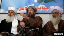 سامیالحق -در وسط تصویر- ابراهیم خان -سمت چپ- و عبدالعزیز سمت راست