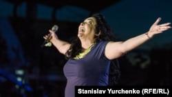 Певица Лолита Милявская. Керчь, 2015 г.