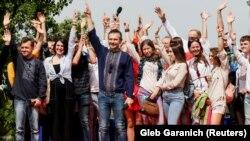 За словами представника партії Ярослава Юрчишина, середній вік членів виборчого списку – близько 37 років
