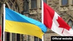 Флаг Украины и Канады. Иллюстративное фото.