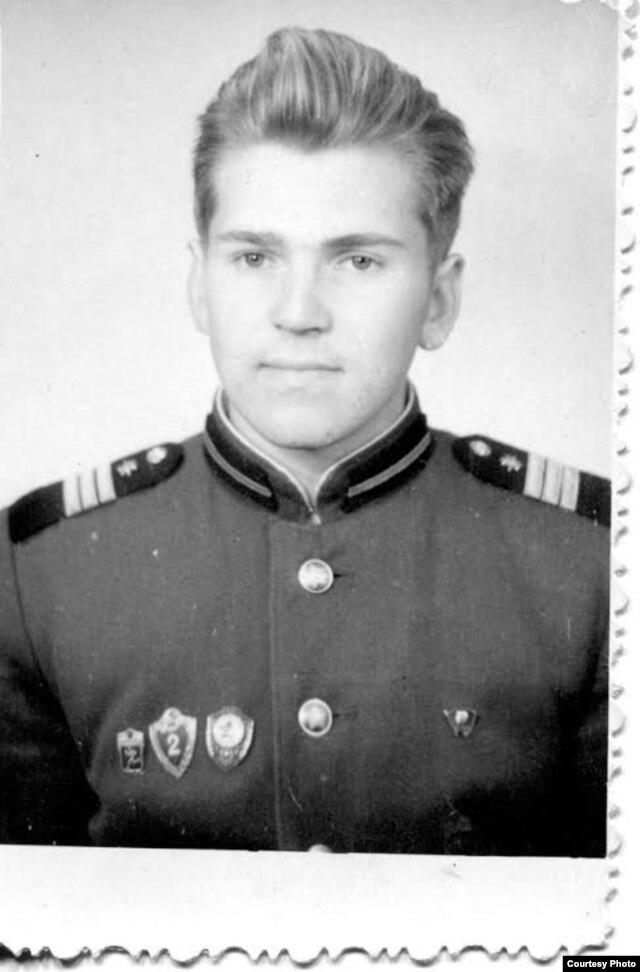 Владимир Алексеев в молодости