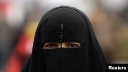 Правозахисники дійшли висновку, що мусульмани, які виявляють своє віросповідання, зазнають дискримінації