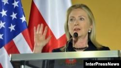 Визит Хиллари Клинтон не определил судьбу Грузии, или даже исход предстоящих выборов. Но он был продолжением оживления в грузино-американских отношениях, которое наметилось во время визита президента Саакашвили в Вашингтон в январе 2011 года