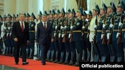Қирғиз президенти Остонада катта илтифот билан қарши олинди.