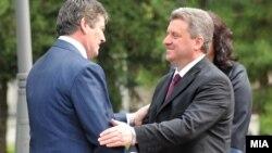 Средба на претседателите на Македонија и Албанија Ѓорге Иванов и Бамир Топи.