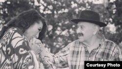В последние годы Мелис Абзалов жил в доме своей дочери Назиры в Швеции.