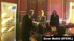 """Protokol je potpisan u okviru projekta """"Osiguranje pristupa pravdi za svjedoke/žrtve kroz jačanje postojećih i uspostavljanje novih mreža za podršku svjedocima u BiH"""""""