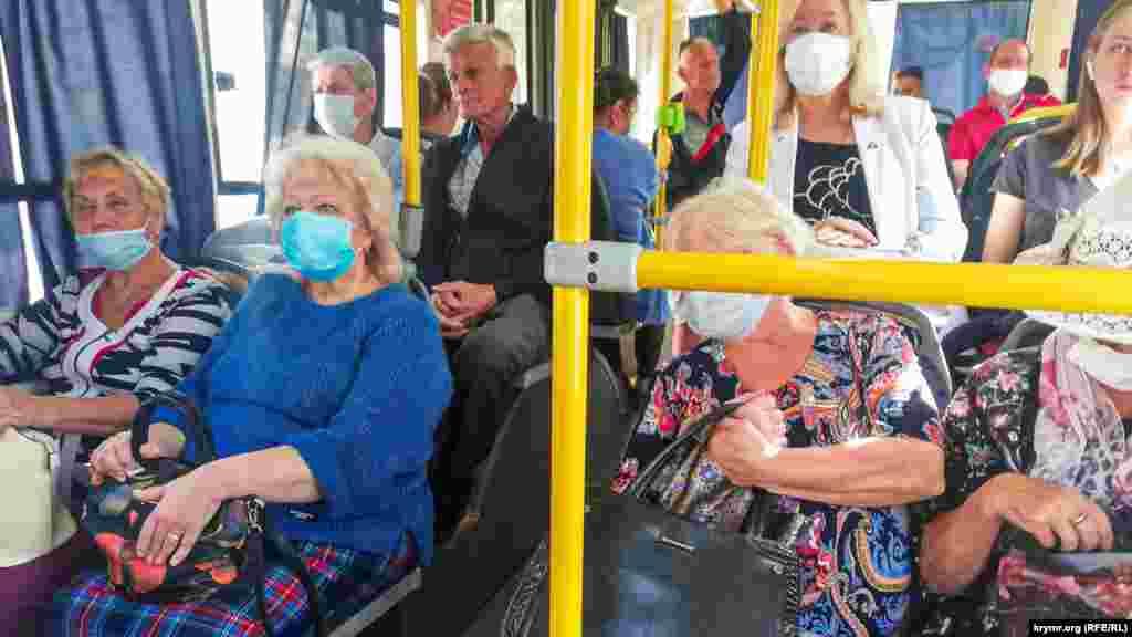 В октябреСимферополь из-за вспышки коронавируса вернулся к усилению масочного режима