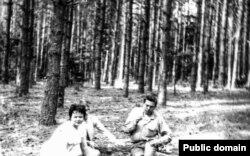Сям'я Караткевічаў на пікніку