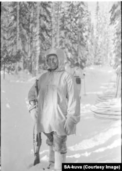 """Simo Hayha, un trăgător de elită finlandez poreclit """"Moartea Albă"""""""
