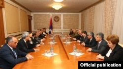 Nagorno-Karabakh - An Armenian parliamentary delegation (L) meets with Karabakh's political and military leaders in Stepanakert, 4 May 2018.