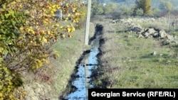 В стране остро стоит проблема неправильного искусственного орошения земель. Как следствие – излишнее заболачивание, а затем и деградация земель