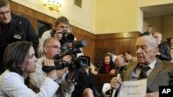 Šandor Kepiro pred početak suđenja, 5. maj 2011