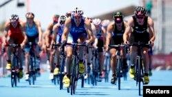 Avropa Oyunlarında velosipedçilərin yarışı.