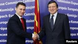 Архивска фотографија: Премиерот Никола Груевски на средба со претседателот на ЕК Жозе Мануел Баросо во Брисел на 27 октомври 2010.