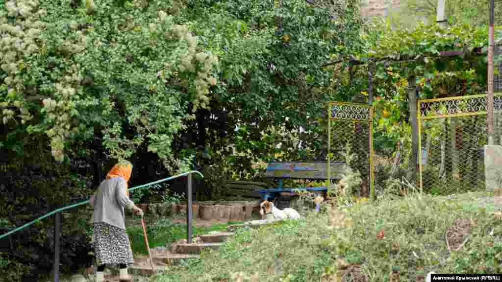 Köy azbarınıñ qaravulı