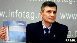 Victor Surucean (Amnesty International Moldova)