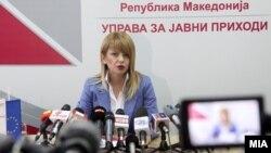 Архива: Прес-конференција на Сања Лукаревска директор на Управата за јавни приходи (УЈП).