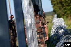 Militari unguri lîngă localitatea Sarok