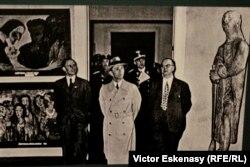Fotografie de la expoziția nazistă de așa-zisă Artă degenerată (imagine de la Retrospectiva Nolde, la Muzeul Städel, Frankfurt)