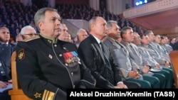 Костюков ва Путин дар ҷашни садсолагии ГРУ