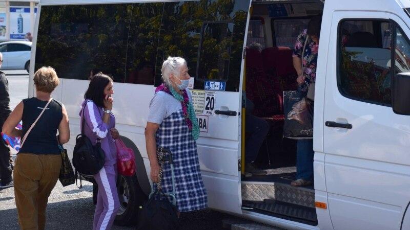 В автобусе, кино и магазинах: в Севастополе возобновили обязательный масочный режим (фотогалерея)
