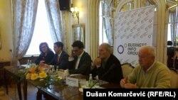 Učesnici debate s leva nadesno: Biljana Stepanović, Uroš Momirović, Savo Manojlović, Milan Knežević i Miodrag Zec