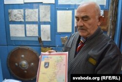 Іван Фясенка з мапай ягелонскага шляху