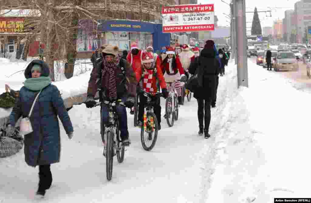 Полуторамиллионный город задыхается в пробках. Интенсивность дорожных заторов ежедневно достигает максимальных 10 баллов. Велосипед мог бы стать для горожан альтернативой общественному и личному автотранспорту. Но развитием и пропагандой велодвижения занимаются только энтузиасты.
