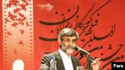 غلامحسین الهام،سخنگوی دولت محمود احمدینژاد، در مراسم اختتامیه جشنواره فیلم کودک و نوجوان