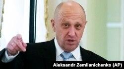 ABŞ-da ittiham edilənlərdən biri də Putinin yaxın adamı, biznesmen Yevgeni Priqojindir