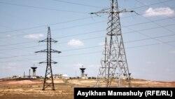Қазақстандағы электр тасымалдау желісі. Қызылорда облысы, 14 шілде 2013 жыл.