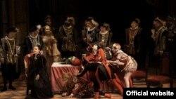 Сцена од операта Риголето на Џузепе Верди во изведба на МОБ