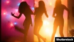 Çehiýa. Disko gyzlary. (Shutterstock)
