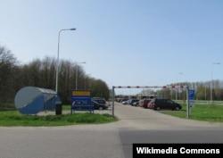 Hollandiyada karpulinq üçün ayrılmış dayanacaq
