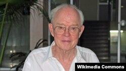 Олими астрофизики амрикоӣ Юҷин Паркер,