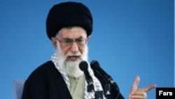 آيت الله علی خامنه ای، رهبر جمهوری اسلامی ايران. عکس از فارس.